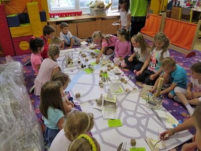 Děti stavěly města